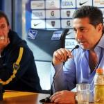 buenos aires 15mayo2015 el presidente de Boca Juniors Daniel Angelici y el DT Rodolfo Arruabarrena durante la conferencia de prensa que ofrecieron hoy en el estadio. foto flor downes/telam/dsl