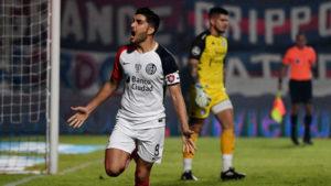 Télam 04/05/2018 Buenos Aires: Nicolás Blandi festeja su gol con el que San Lorenzo derrota transitoriamente por 1-0 a Belgrano de Córdoba. foto ramiro gomez/jr